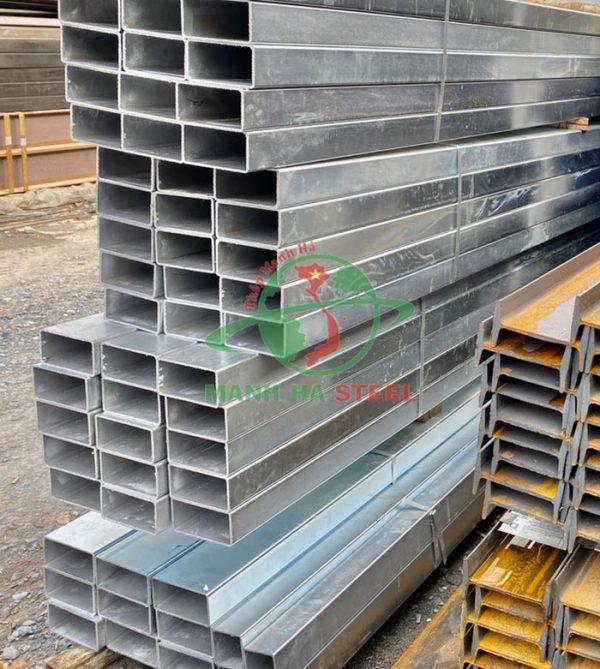 Thép hộp 40x80 là dòng thép hộp hình chữ nhật có thành phần từ sắt và cacbon