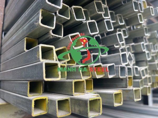 Thép hộp 14x14 có chiều dài tiêu chuẩn là 6m và 12m