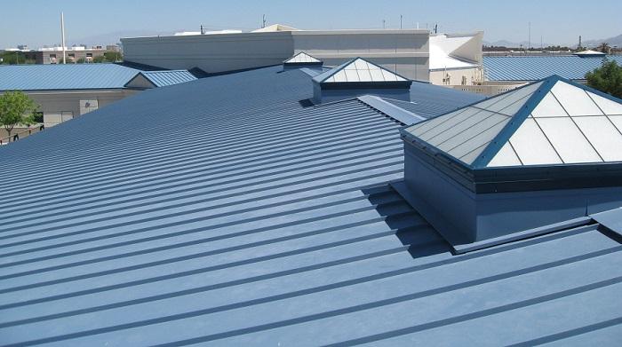Tôn lợp mái kim loại là lựa chọn thông minh và an toàn cho mọi gia đình