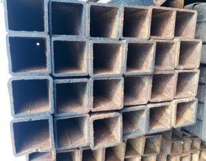 Sắt hộp 90x90 là nguyên vật liệu không thể thiếu trong các công trình xây dựng