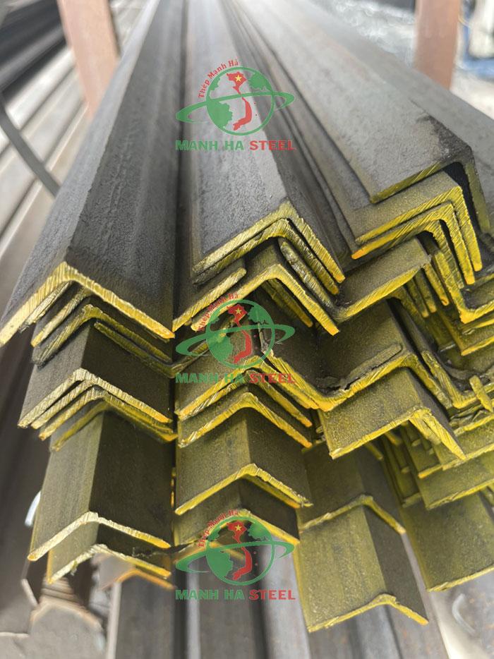 Thép V30x30 mạ kẽm nhúng nóng là sản phẩm được ưa chuộng trên thị trường
