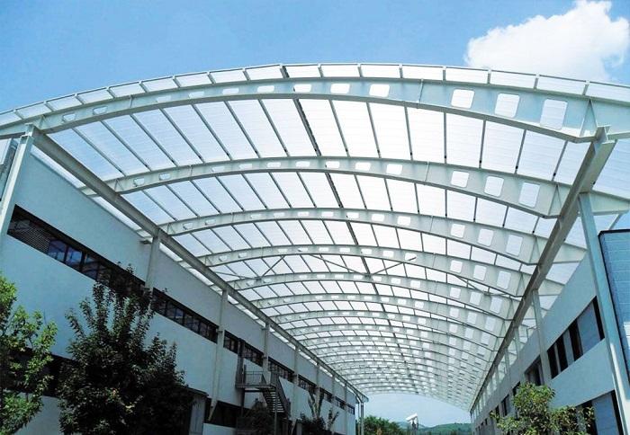 Tôn lấy sáng Polycarbonate là sản phẩm được kết hợp từ nhựa nhiệt dẻo polymer