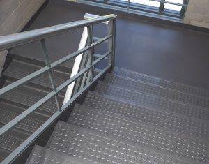 Thép tấm gân được sử dụng làm tấm lót sàn công nghiệp