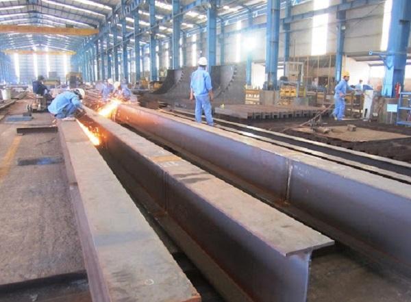 Thép tổ hợp là loại thép được tạo thành từ thép tấm